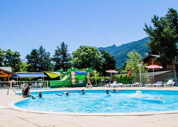 Camping hautes alpes avec piscine