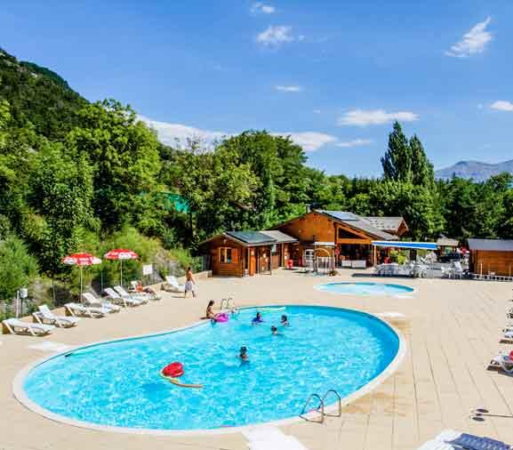 Camping piscine Hautes Alpes