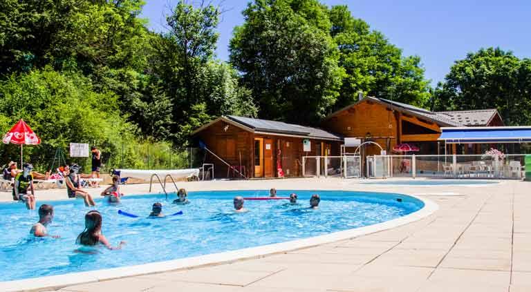 location de vacances camping avec piscine alpes
