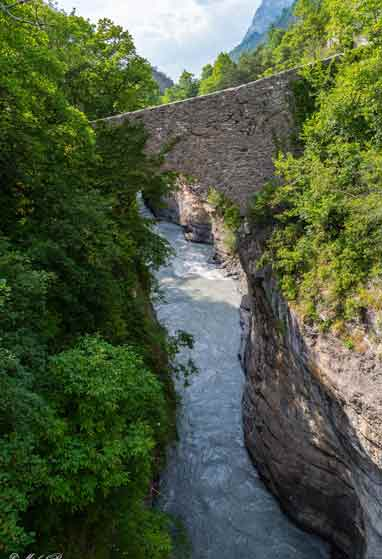 Pont Romain Lauzet camping