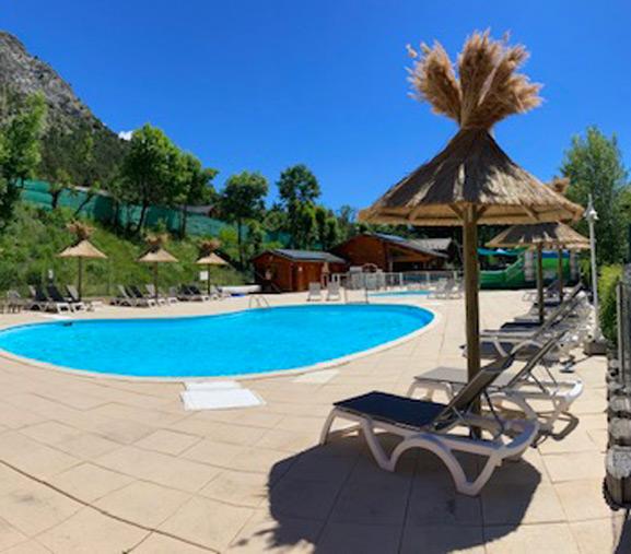 camping alpes de haute provence avec piscine chauffée