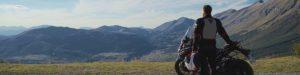 Moto dans les Alpes